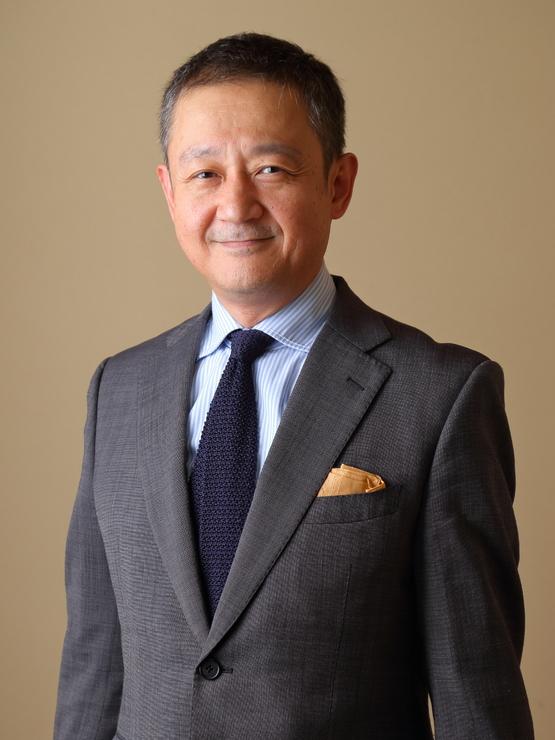 白似田 健嗣 氏