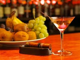 Salon Bar Thistle