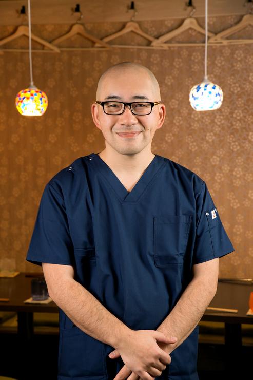 浅葉 隆介 氏